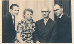 Wolfgang Weider (Re) Mit Eltern Und Bruder Reinhard (Li)