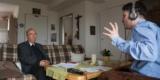 Prälat Roland Steinke Während Des Gesprächs